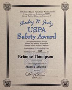 Chesley H Judy USPA Safety Award 2015 to Brianne Thompson
